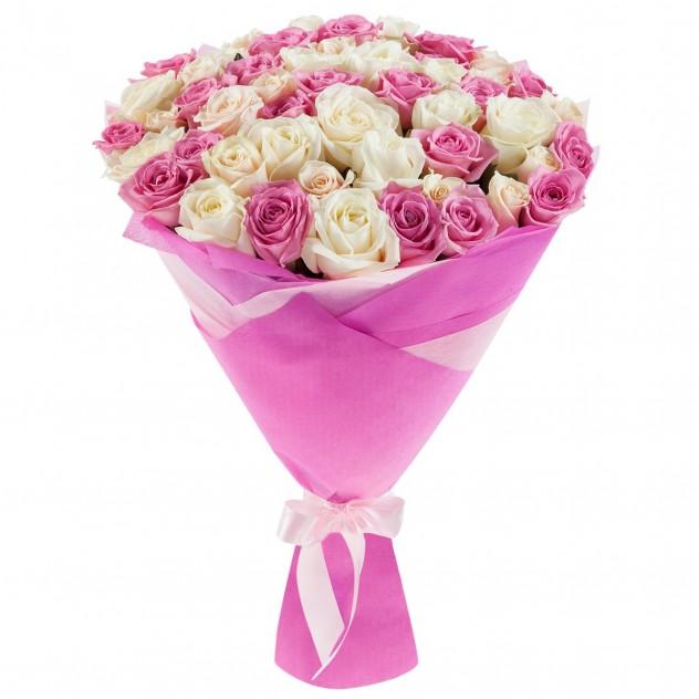 Букет из 51 нежной розы в упаковке